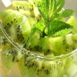 -из-зеленого-чая-и-киви.jpg