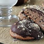 -печенье-с-шоколадной-глазурью-и-миндалем.jpg