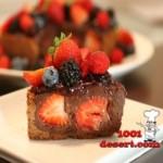 1363697247_shokoladnyy-tort-s-krasnymi-fruktami.jpg